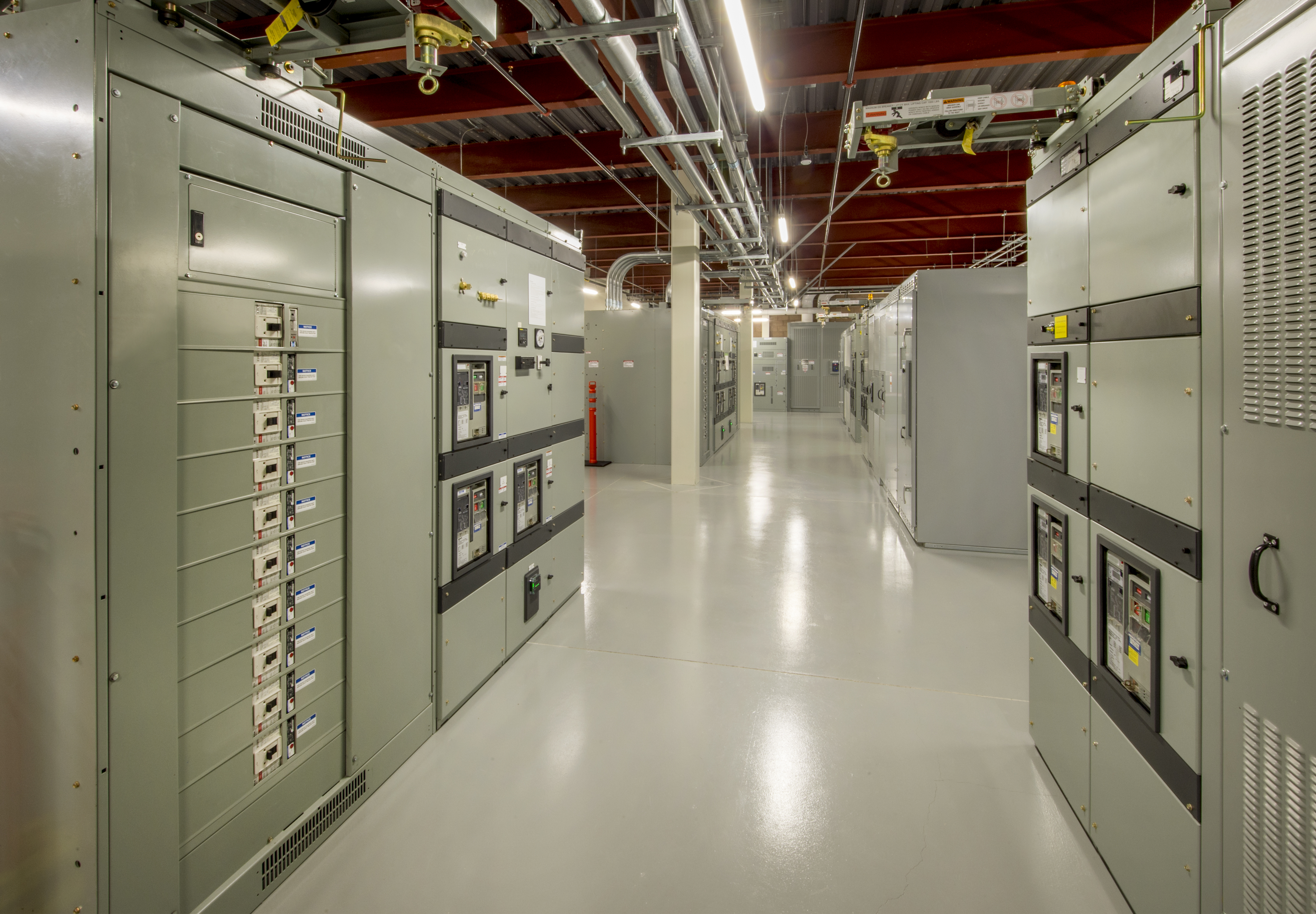 Électriciens commerciaux et industriels